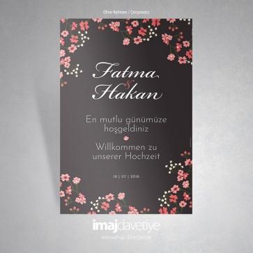 Ufak çiçeklerle süslü koyu renkte karşılama afişi - 04