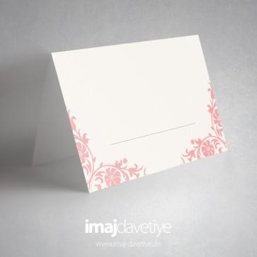 Pembe desenli beyaz masa kartı - 05